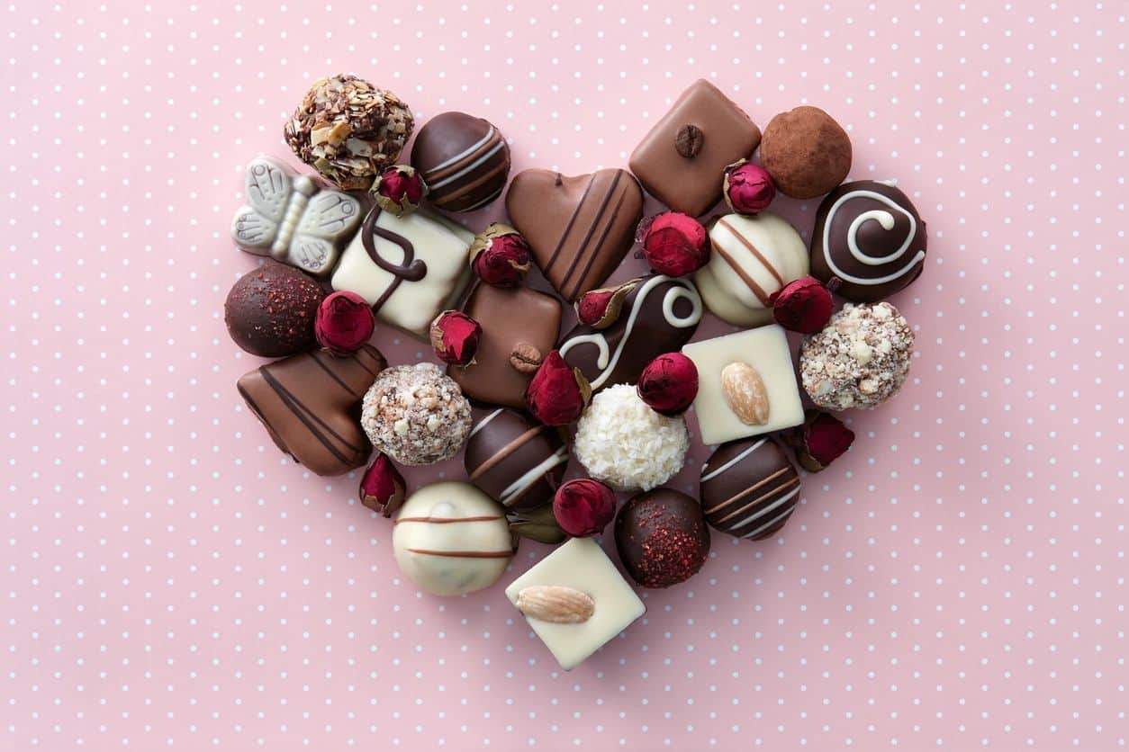 Custom Made Chocolate for Valentine's Day Gifts - Printleaf's Blog for  Design and Printing Solutions